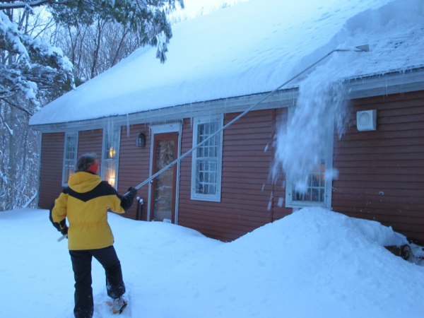 Heavy Snow Load Of Roofs Avoiding Disaster